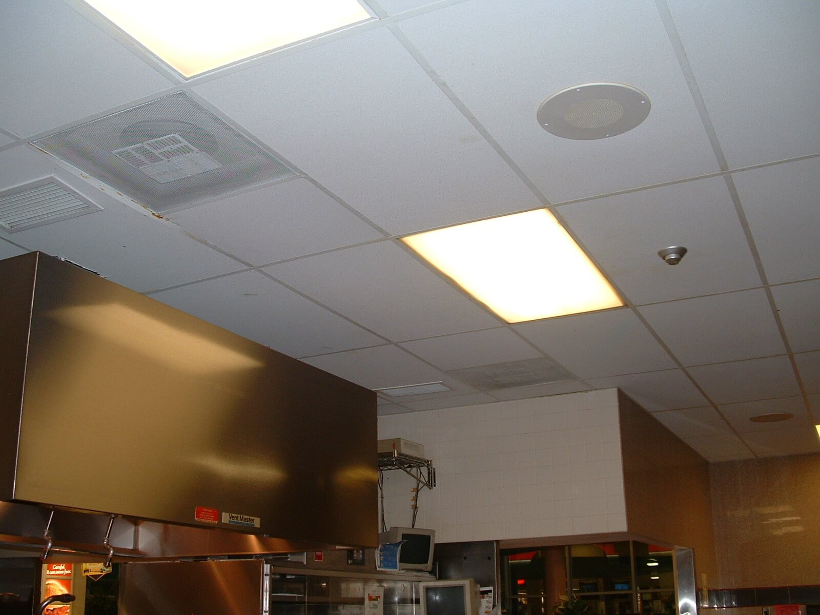 Commercial Ceiling Cleaning in Ontario